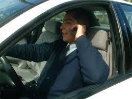 multa por conducir hablando por el móvil